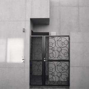 entrance01